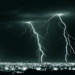 Stimmungsvolle Gewitter und Blitze
